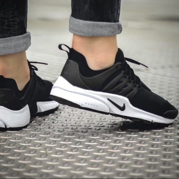 official photos da1ce 1c052 Nike Air Presto Flyknit Black And White Womens